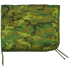photo: U.S. Military Poncho Liner Woobie top quilt