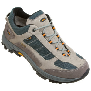 photo: AKU Geo Low XCR trail shoe