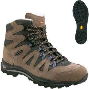 photo: Lowa Jannu Mid hiking boot