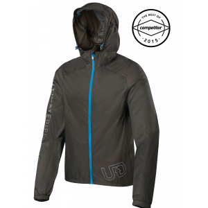photo of a Ultimate Direction jacket