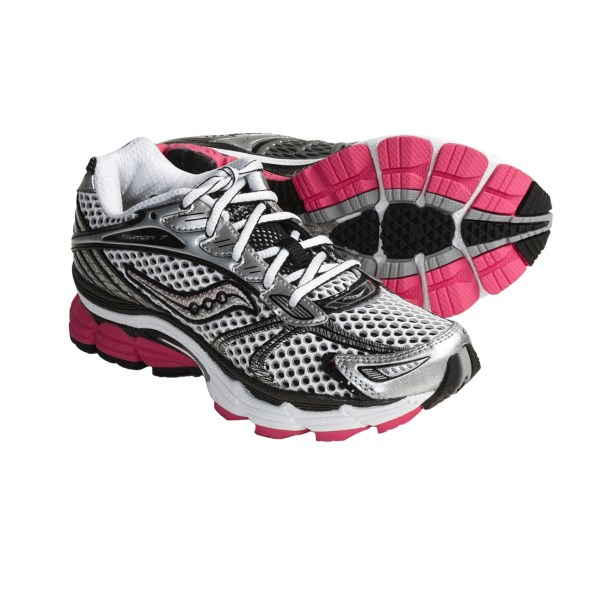 photo: Saucony Women's ProGrid Triumph 7 trail running shoe