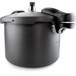 GSI Outdoors Pressure Cooker