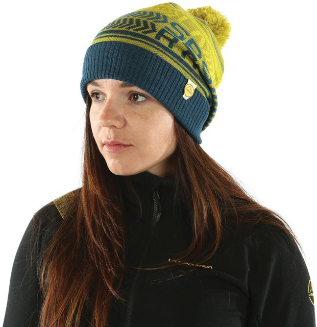 photo: La Sportiva Dust Beanie winter hat