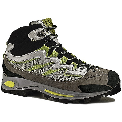 photo: La Sportiva Gamma GTX hiking boot