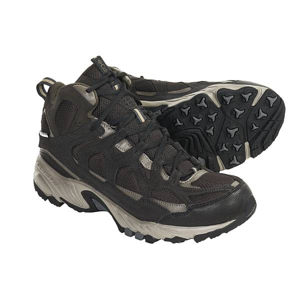 photo: Columbia WallaWalla Mid Omni-Tech hiking boot