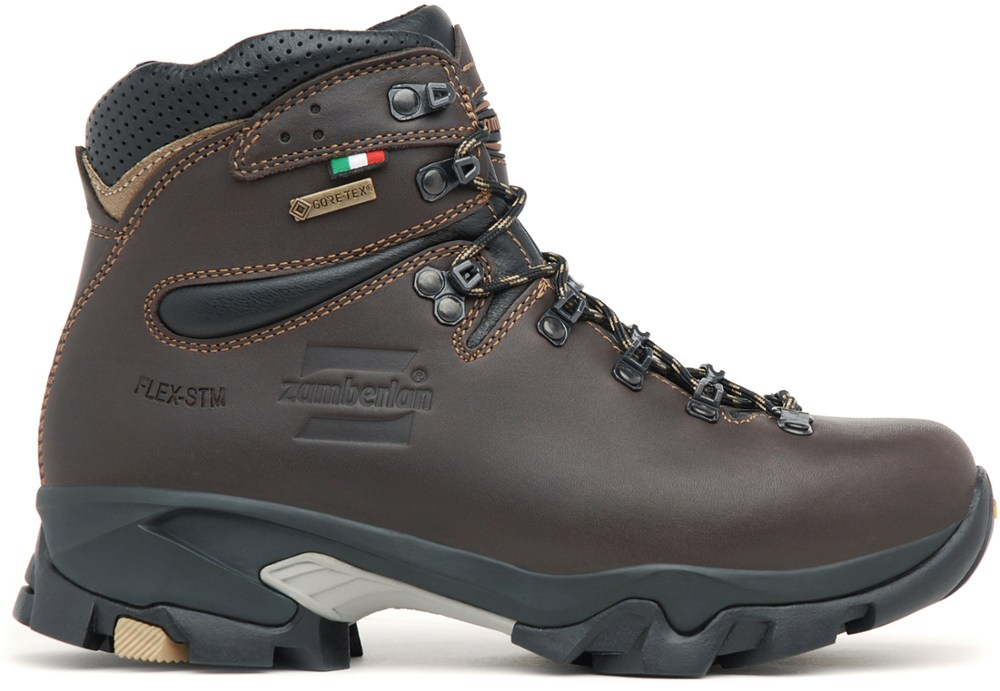 photo: Zamberlan Women's 996 Vioz GT backpacking boot