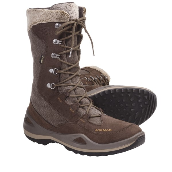 photo: Lowa Paganella GTX hiking boot