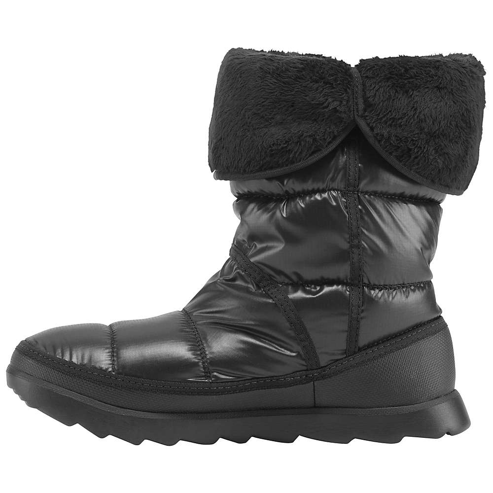 photo: The North Face Amore II Boot winter boot
