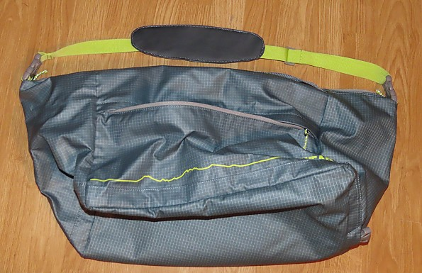 haul-bag-zip-side.jpg