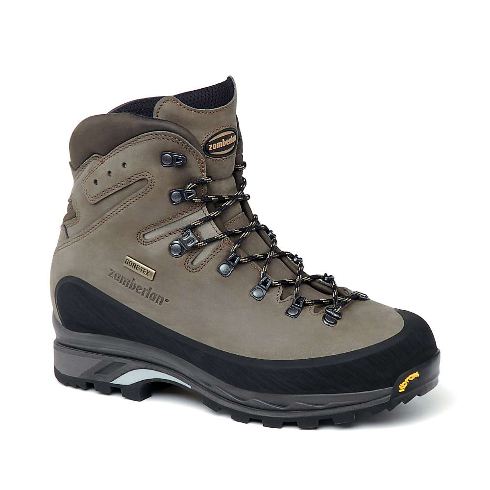 photo: Zamberlan Women's 960 Guide GT RR backpacking boot