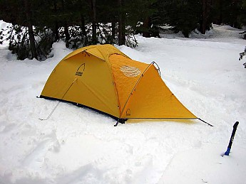 I bought this tent solely due to positive reviews on condensation control and lightweight (for a four season tent). I spent several nights in this tent in ... & Sierra Designs Convert 2 Reviews - Trailspace.com