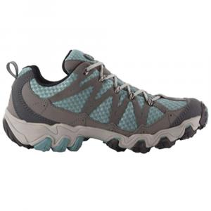 photo: Oboz Luna Low trail shoe