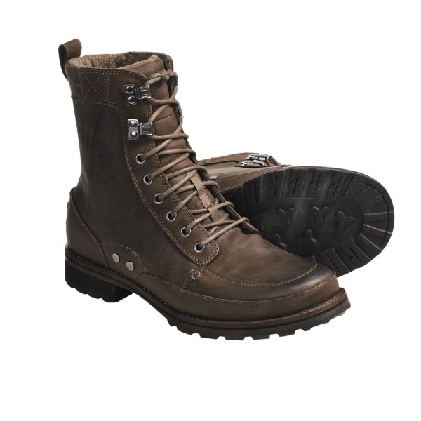 photo: Columbia Slabtown High Leather hiking boot