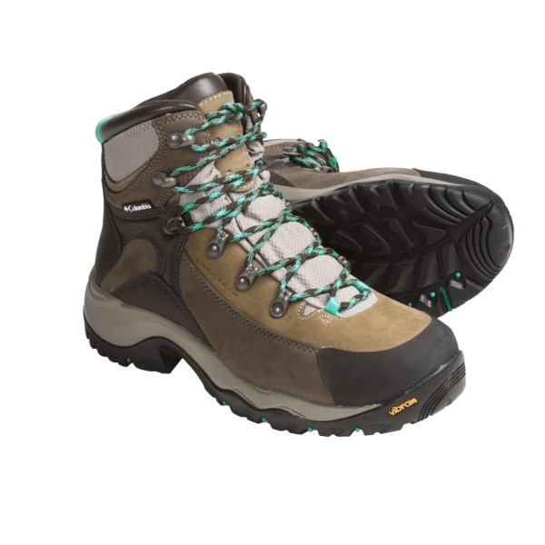 photo: Columbia Daska Pass Omni-Tech hiking boot