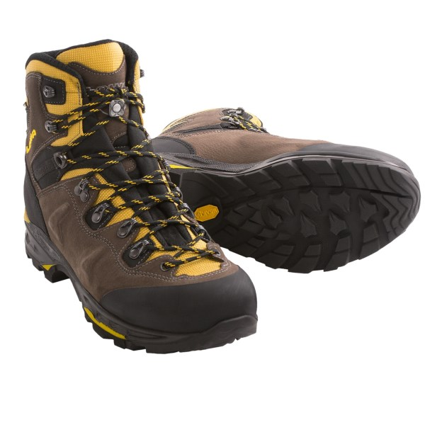 photo: Lowa Catalan GTX hiking boot