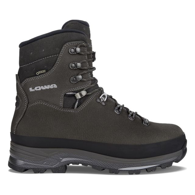 photo: Lowa Tibet Superwarm GTX winter boot