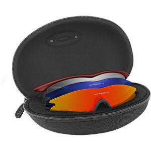 photo: Oakley Radar/M Frame Soft Vault sunglass case