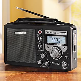 photo: Grundig GS350DL radio