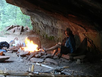 Camp-under-and-overhang-along-middle-Wes