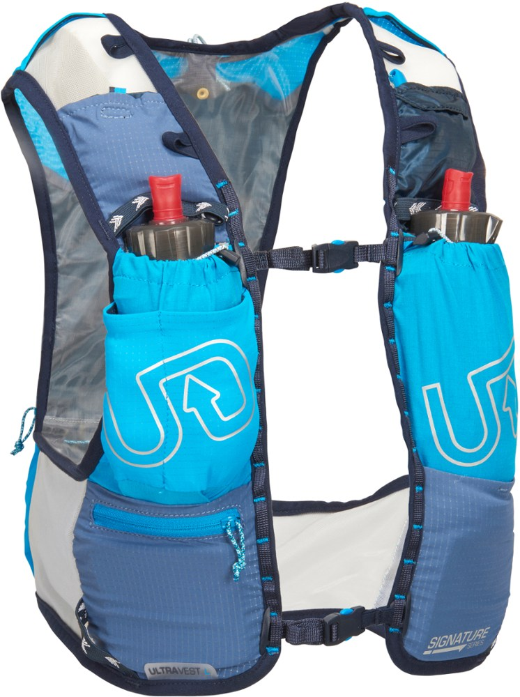 photo: Ultimate Direction Ultra Vest 4.0 hydration pack