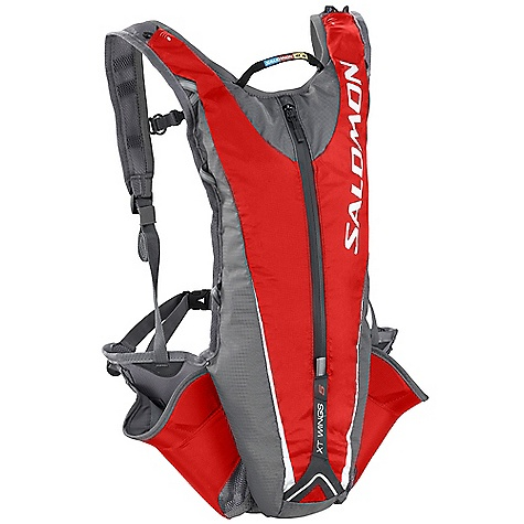 photo: Salomon XT Wings 5 hydration pack