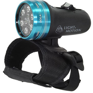 photo: Light & Motion Sola Dive 1200 flashlight