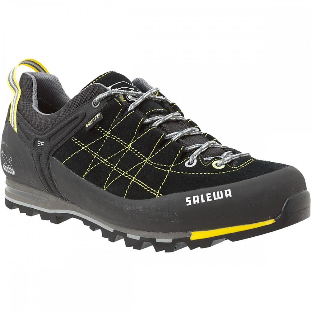 photo: Salewa Mountain Trainer GTX approach shoe