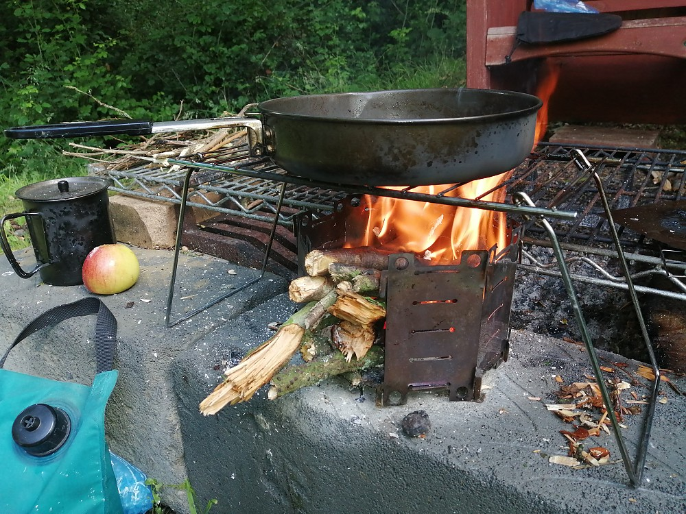 photo: Backpackinglight.co.uk Honey Stove solid fuel stove
