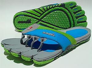 photo: Sazzi Decimal sport sandal