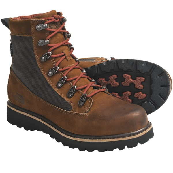 photo: The North Face Bridger Boots winter boot
