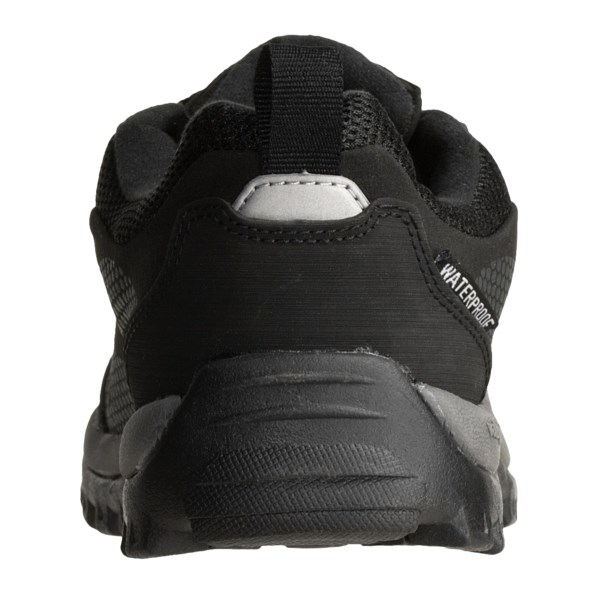 photo: Baffin Approach Soft Shell trail shoe