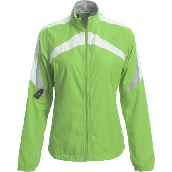 photo: Saucony Ethereal Run Jacket wind shirt