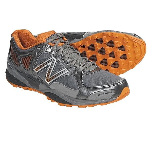 photo: New Balance MT1110 trail running shoe