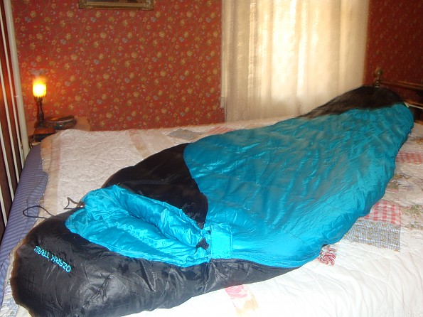Ozark-Trail-Down-Sleeping-Bag-5-.jpg