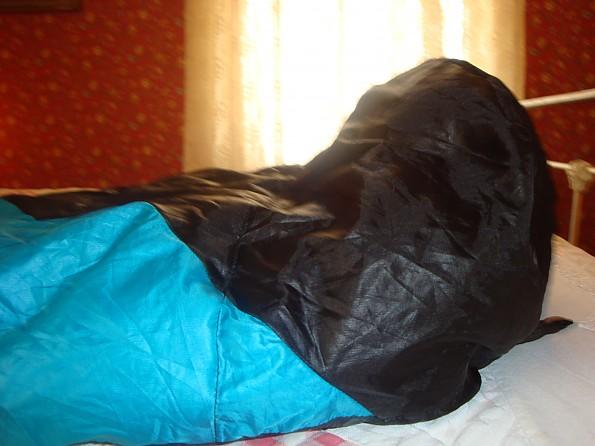 Ozark-Trail-Down-Sleeping-Bag-11-.jpg