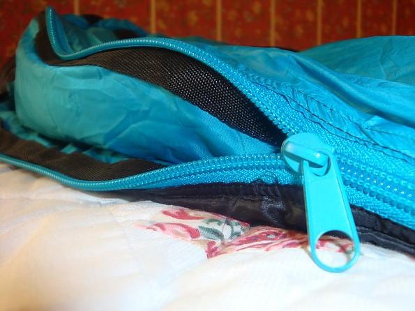 Ozark-Trail-Down-Sleeping-Bag-8-.jpg