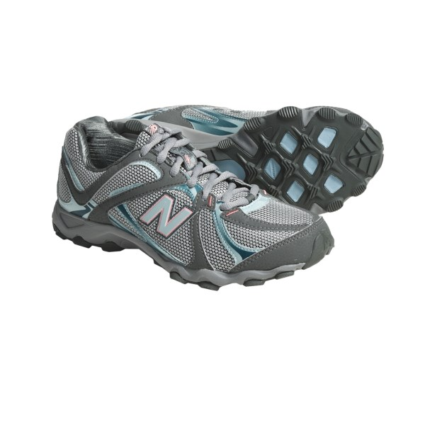 photo: New Balance 560 trail running shoe