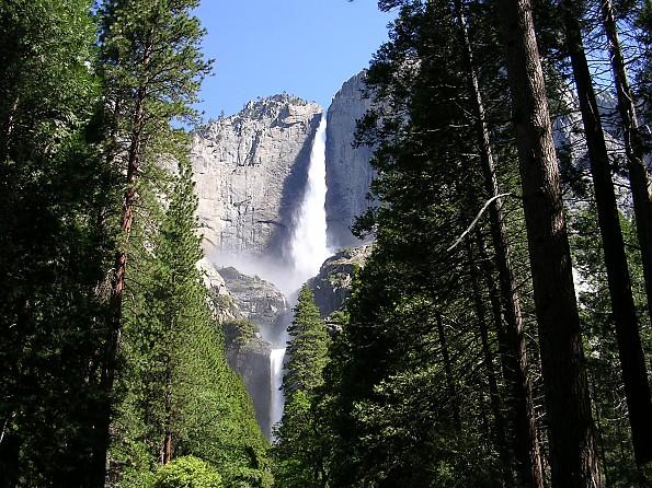 Upper-and-Lower-Yosemite-Falls-in-the-su