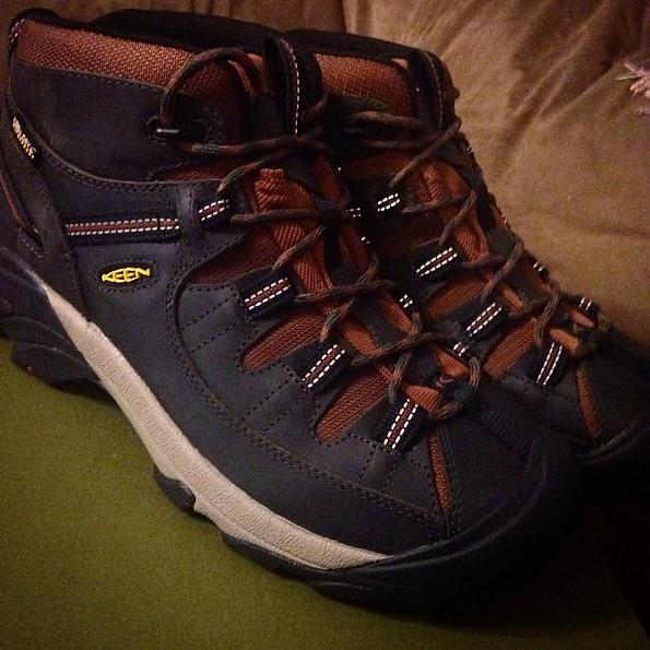 HikingBoots.jpg