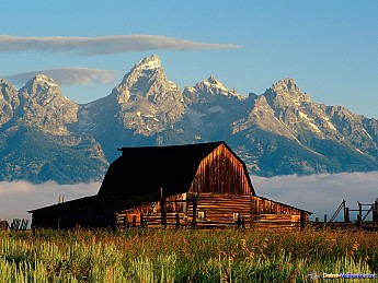 Jackson_Hole_Barn_at_Mormon_Row.jpg