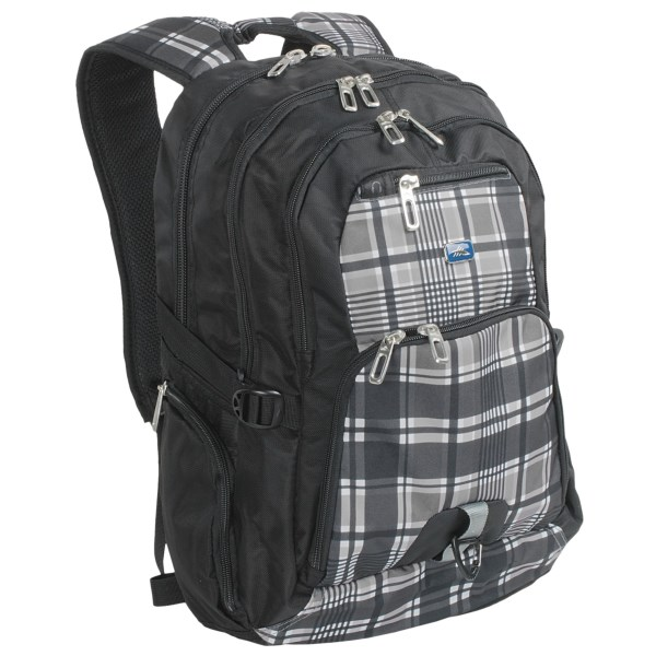 photo: High Sierra Caldwell Daypack overnight pack (2,000 - 2,999 cu in)