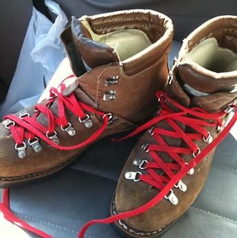 lowa-boots-1.jpg