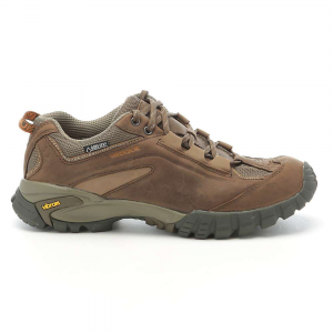photo: Vasque Women's Mantra 2.0 GTX trail shoe