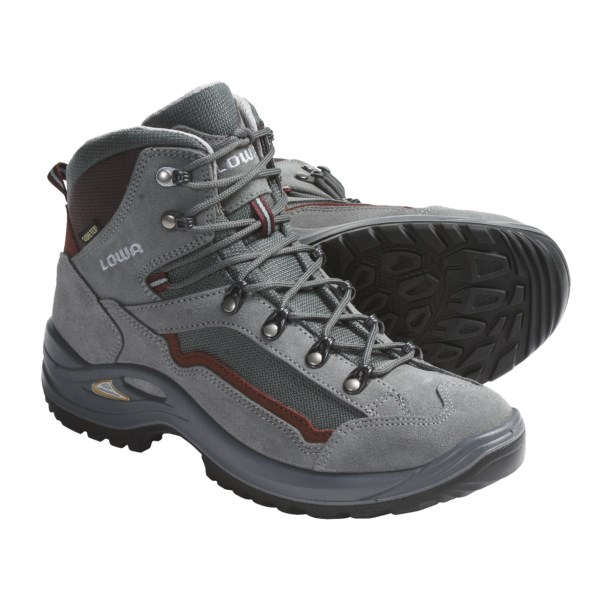photo: Lowa Tyro GTX Mid hiking boot