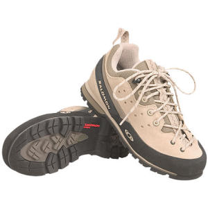 photo: Salomon Women's Pro Sticky Low 2 approach shoe