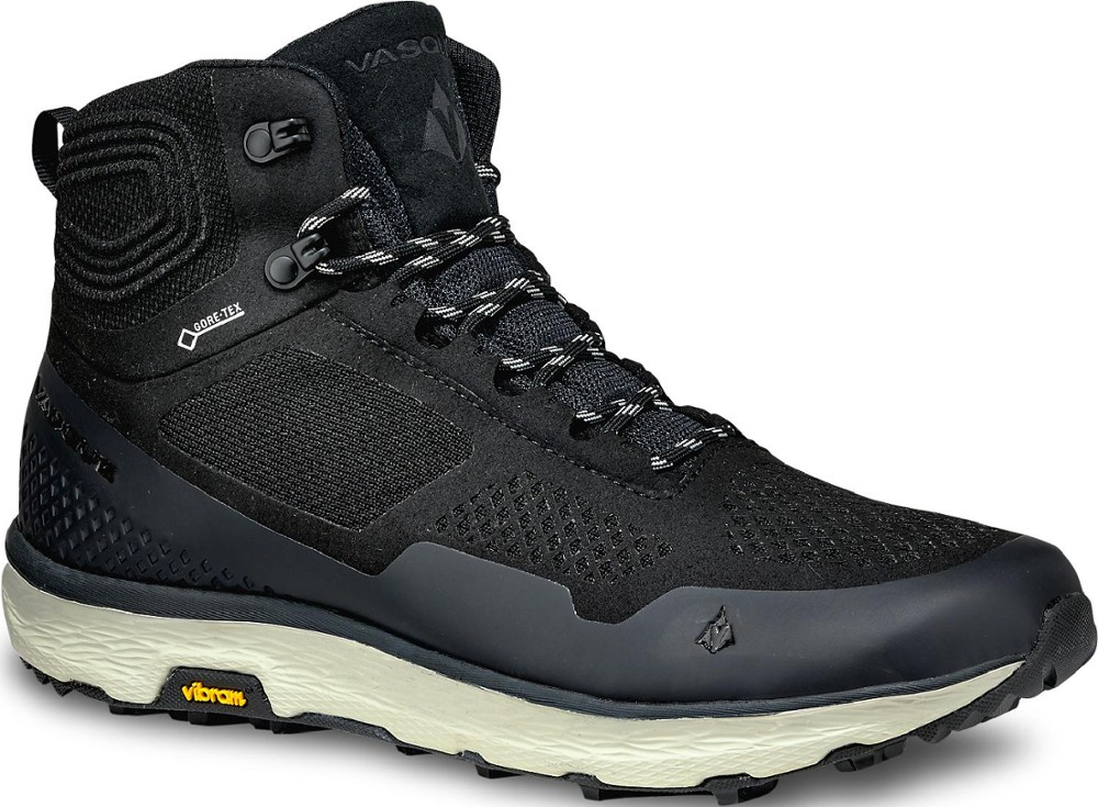 photo: Vasque Breeze LT Mid GTX hiking boot