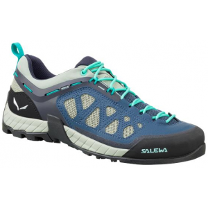 photo: Salewa Women's Mountain Trainer GTX approach shoe