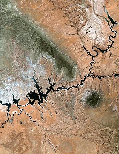 Lake_powell_utah-from-space.jpg