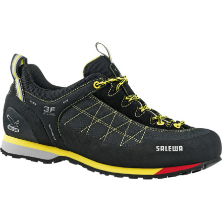 photo: Salewa Men's Mountain Trainer Light approach shoe