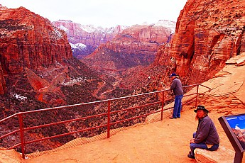 Tunnel-view-point-in-Zion.jpg